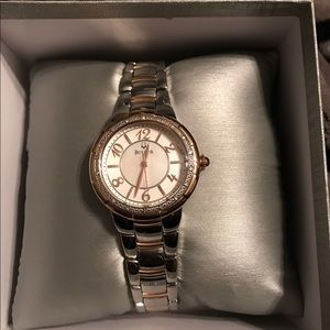 EUC. Bulova woman's Rosedale diamond accent
